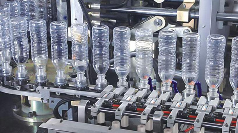 Каковы основные характеристики автоматической машины для выдувания бутылок?